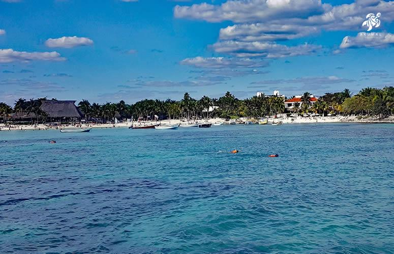 The fantastic blue water as can only be seen in the Riviera Maya, and best in Akumal