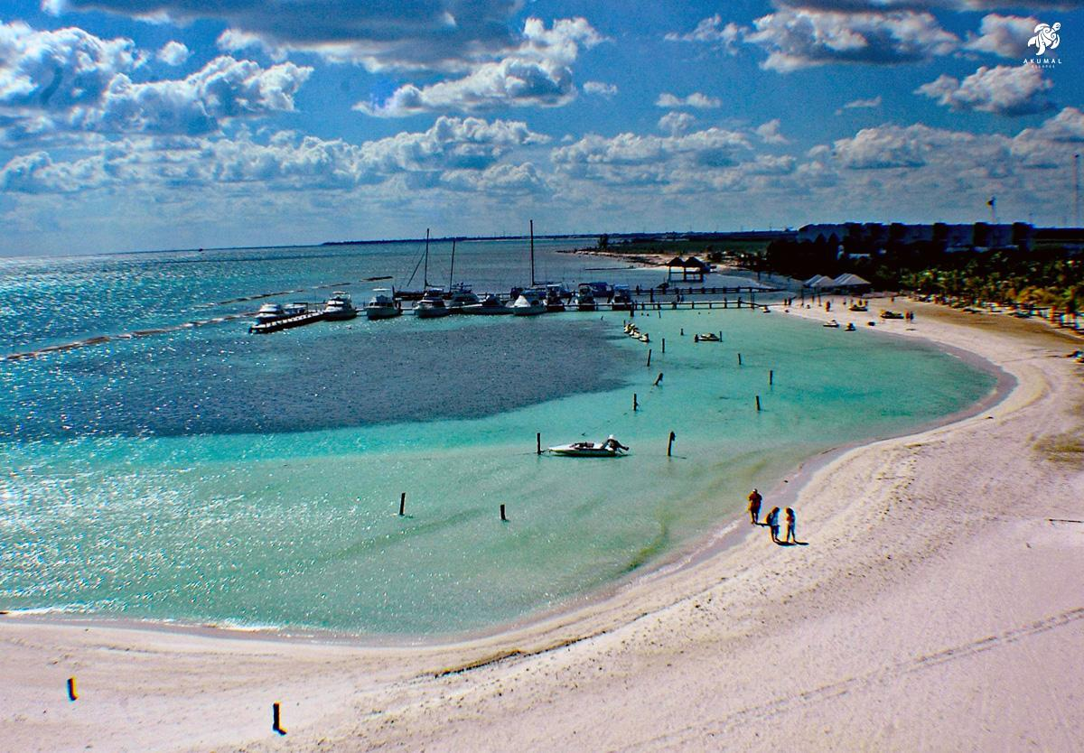 This is an example of The Magnificent beaches of the Riviera Maya and their soft white sand