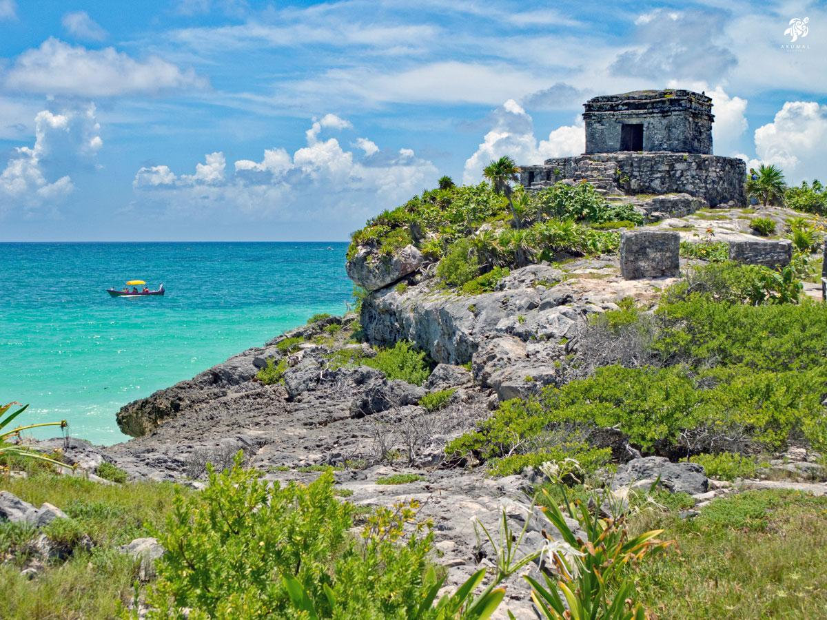 Tulum ruins looking to the Caribbean sea