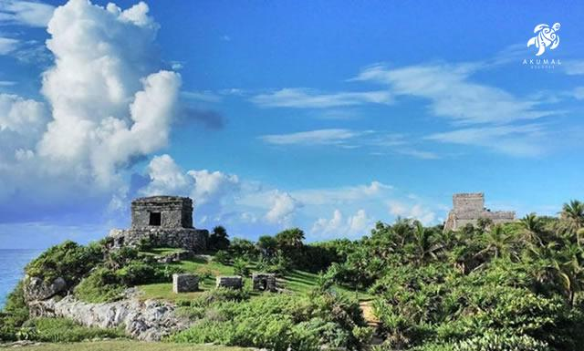 Tulum ruins overlook the beautiful Caribbean and are a jewel of the Maya Riviera