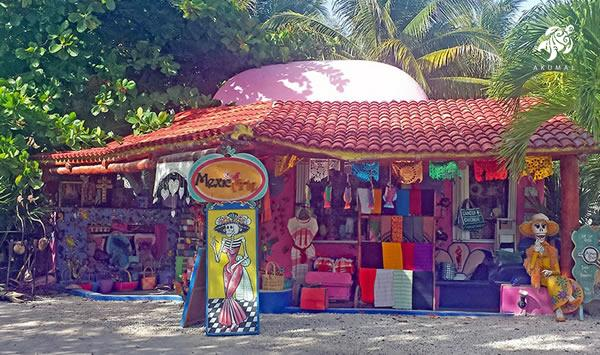 There are many local arts and crafts stores showcasing the wonderful Maya culture