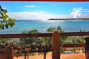 Azul Cielo, La Sirena #12, you can see far to the south for several miles from the beach porch porch