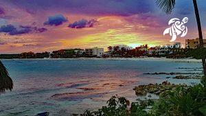 Another beautiful sunset as viewed from La Sirena, this one is purples and oranges