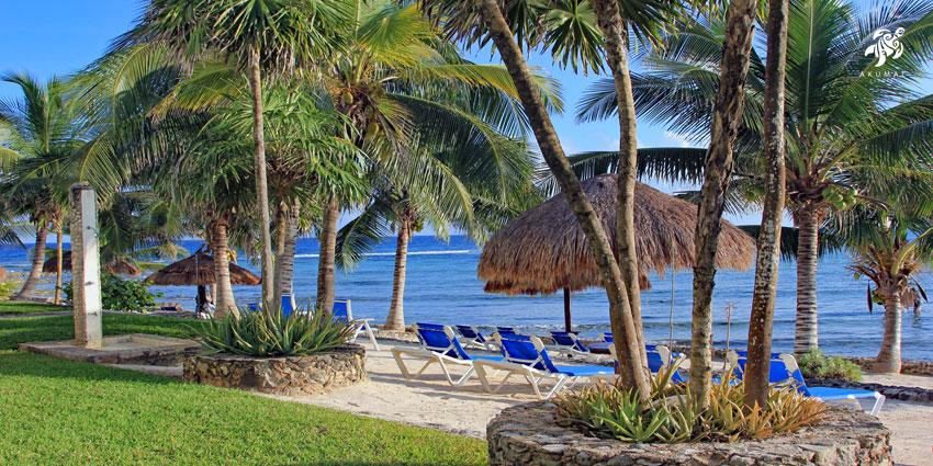 Another view of the La Sirena beach, own of the most private and clean in the Mayan Riviera