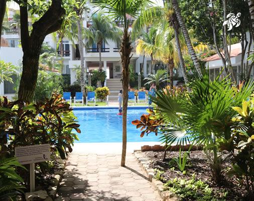 Looking from the La Sirena's entrance towards the pool and gardens