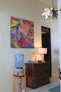 Seascape, La Sirena 1: The wall with contemporary artwork