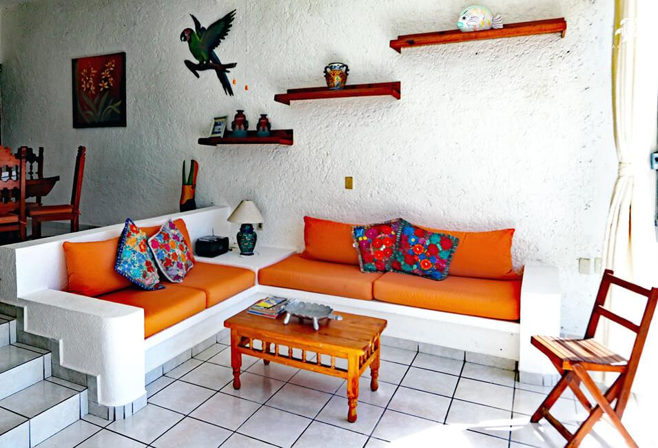 Tranquility, La Sirena #8, the classic Mexican layout and decor of the main living area