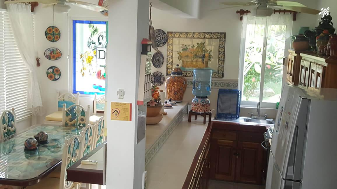 Villa Lijeson, La Sirena 15: A combination shot of our galley kitchen and dining area