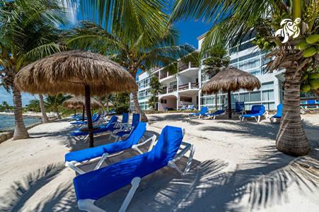 Anotehr view of the La Sirena beach, own of the most private and clean in the Mayan Riviera